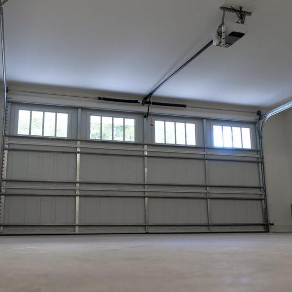 Výklopné garážové brány s pohonom Garáž Brána